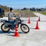 メンバー6人でバイクの運転を競う!!